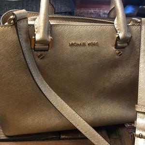 Michael Kors shoulder/arm bag in GOLD